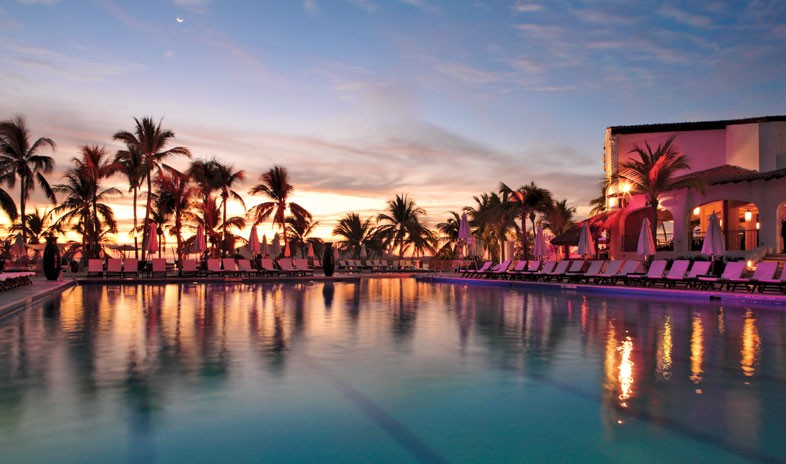 Club Med Ixtapa Pacific Beach 3.jpg