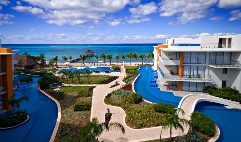Aura Cozumel Grand Resort Meetings.jpg