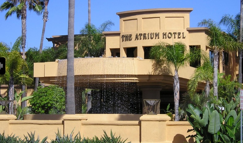 Atrium-hotel Meetings.jpg