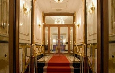 Grand-hotel-majestic-gia-baglioni Meetings.jpg