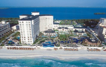 JW Marriott Cancun Resort...