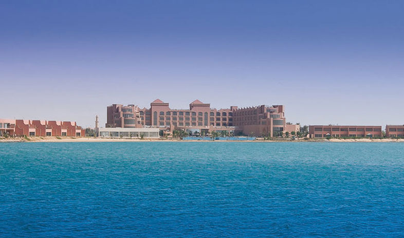 Moevenpick-hotel-and-resort-yanbu Meetings.jpg