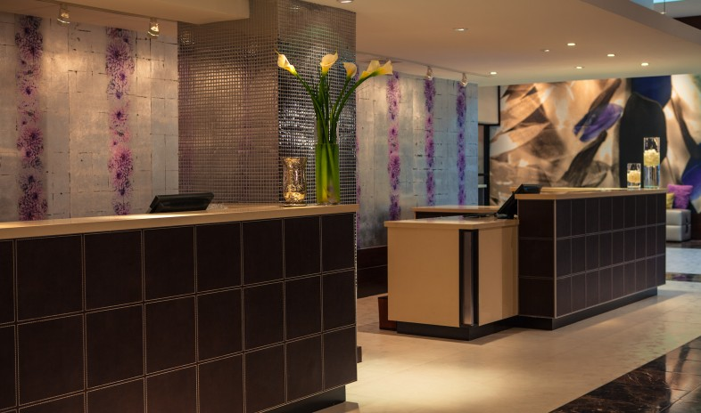Renaissance-chicago-north-shore-hotel.jpg