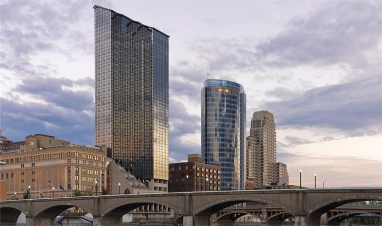 Amway-grand-plaza-curio-collection-by-hilton Meetings.jpg