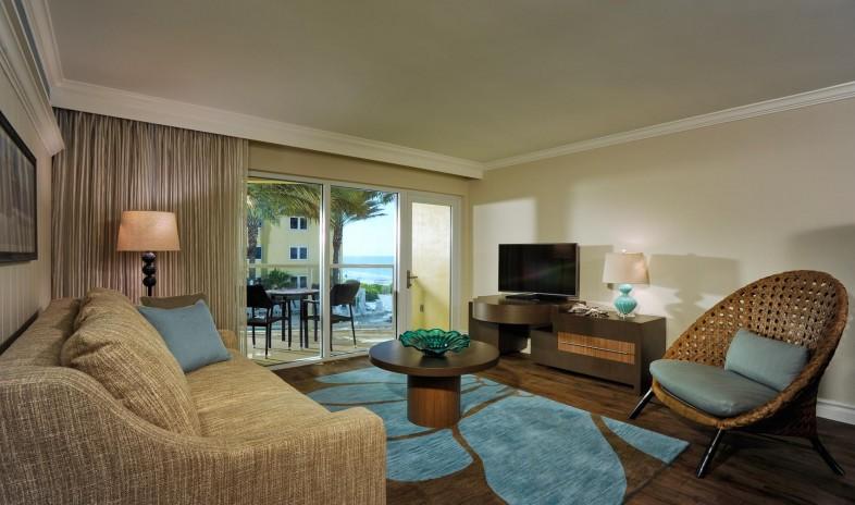 Edgewater-beach-hotel Beach 2.jpg