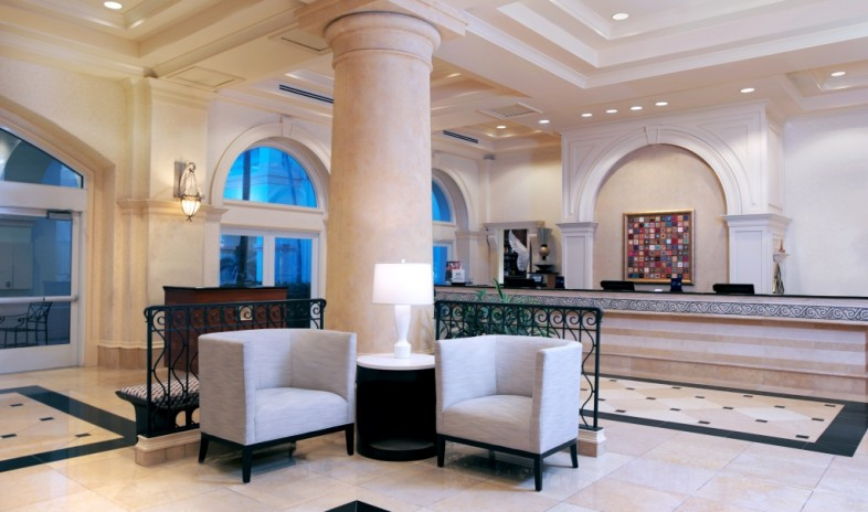 Hilton-naples.jpg