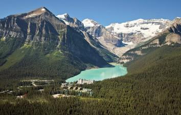 Fairmont Chateau Lake...